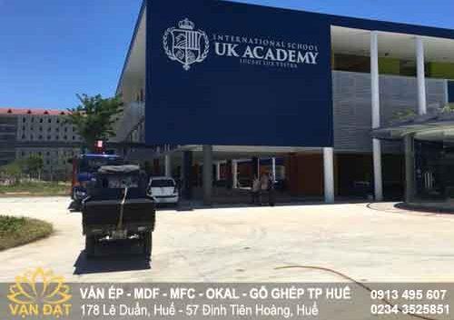 van-ep-phu-phim-uk-academy-hue