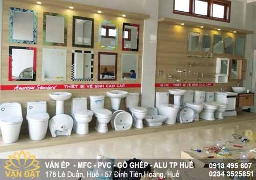 van-go-mfc-thi-cong-showroom-gach-men