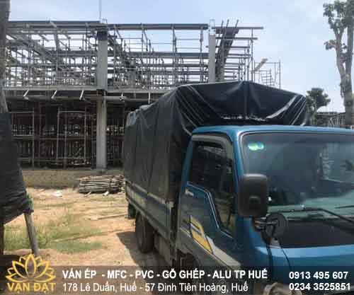 xe-giao-van-phim-plywood-den-kdt-eco-garden-2021
